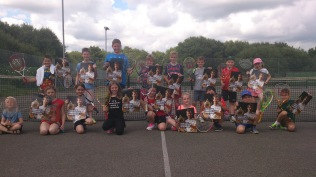 Summer camps 2016 - 22/07 Players were the first to receive their commemorative Andy Murray Wimbledon champion posters from the LTA!